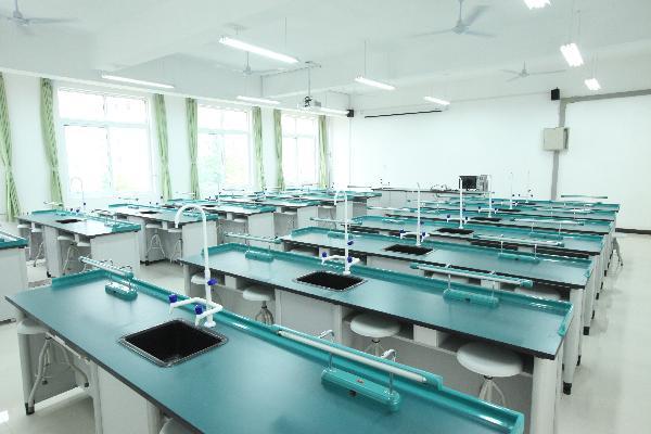 [转载]化学实验室家具中必不可少的通风柜